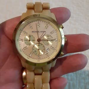 BOGO Michael Kors MK5217 watch